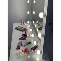 Гримерное зеркало 70х100 с подсветкой лампочками